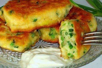 На завтрак не стоит ломать голову: нежные и вкусные пирожки на кефире по-старинке!